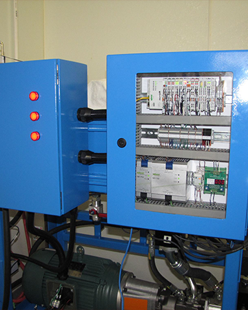 Fluid Power Systems and Electronic Controls Integration Image
